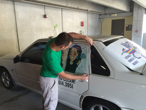 Installing vehicle viny lettering