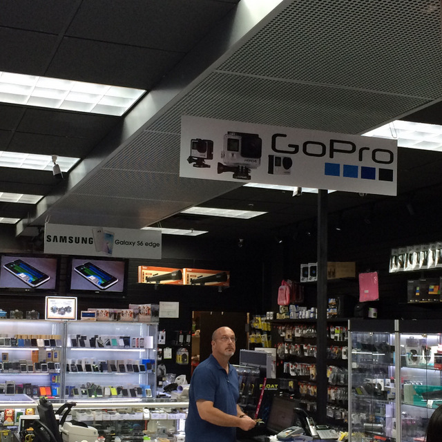 Hanging Banners for Retail Stores in Orlando